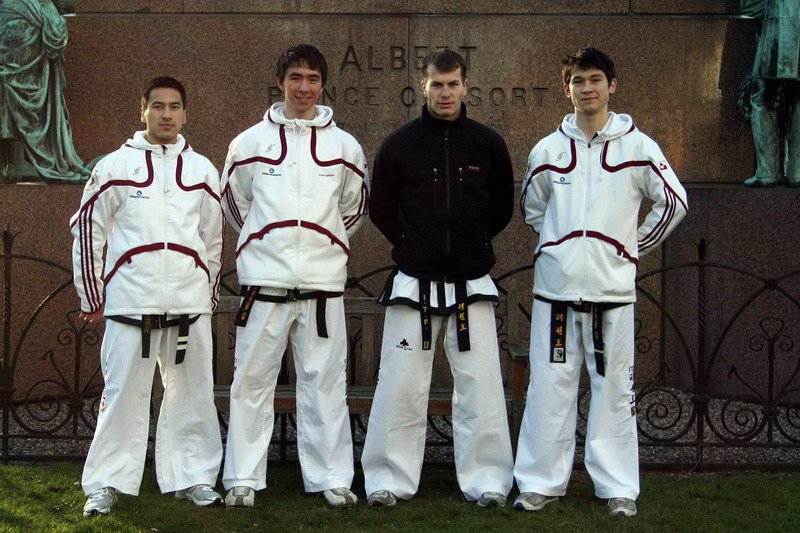 Czech-Greenlandic squad in Edinburgh (Prof. Chang Ung Cup 2007, Scotland)