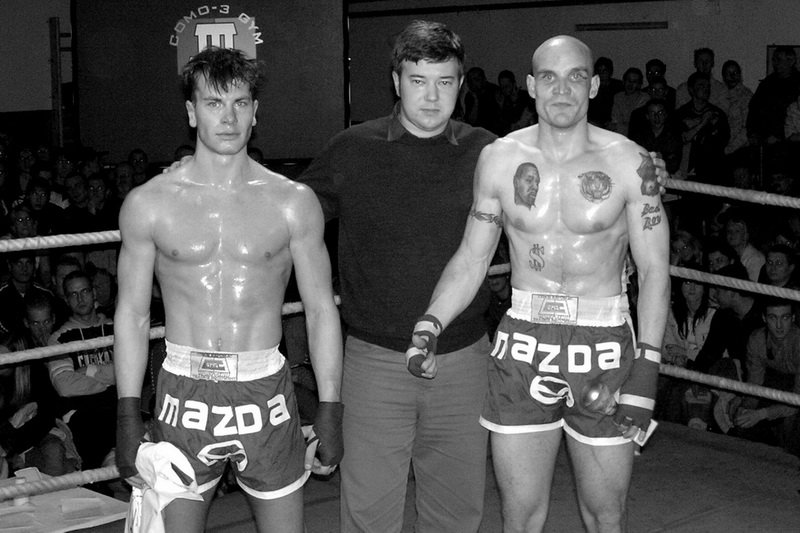 Winning of 1st round in thaibox fight; Czechia, 2005