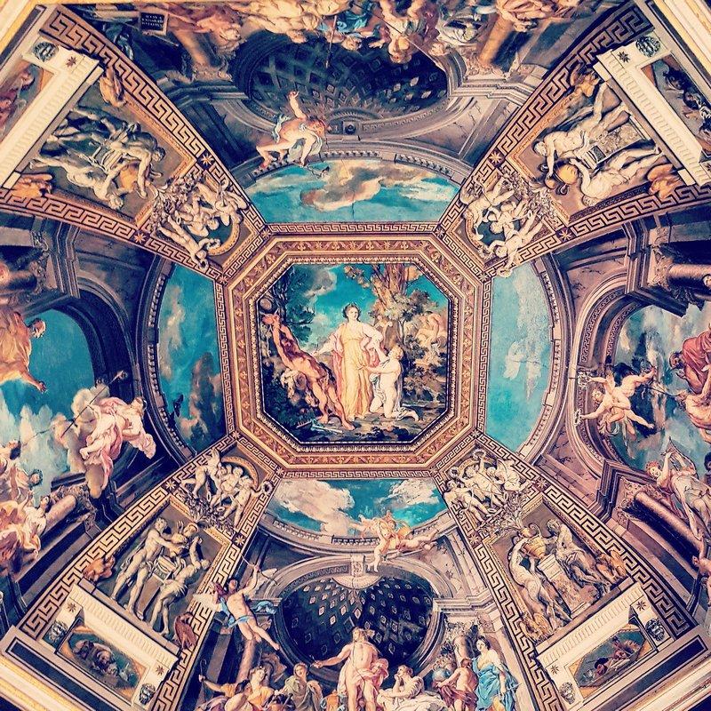 Piece of art, Italy