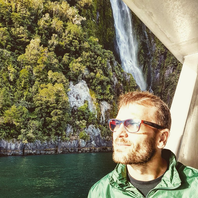 Michal Košátko in Milford Sound, New Zealand