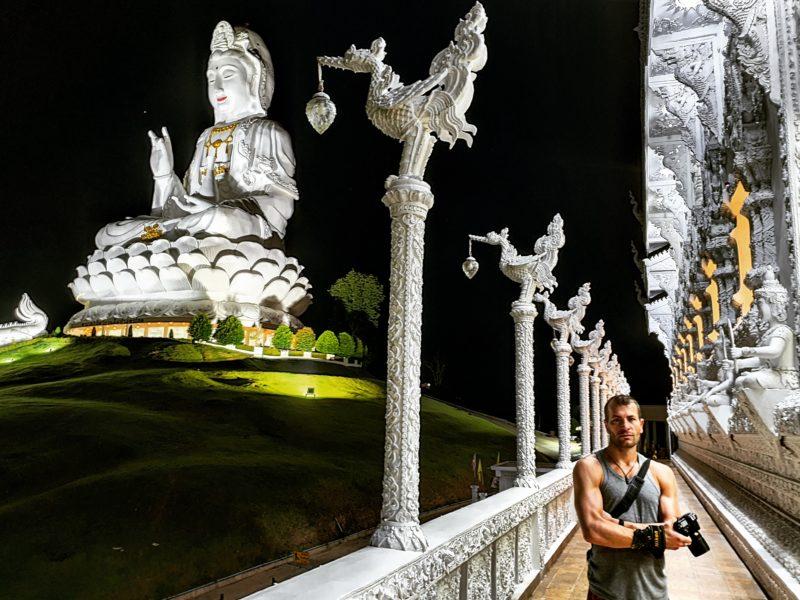 Wat Huay Pla Kang, Thailand